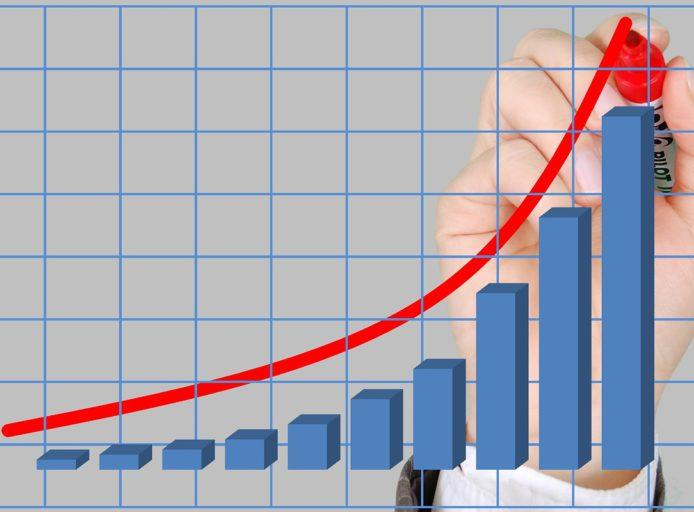Češi splácí staré dluhy: v registru SOLUS je s dluhem po splatnosti o 50 tisíc občanů méně, než před rokem